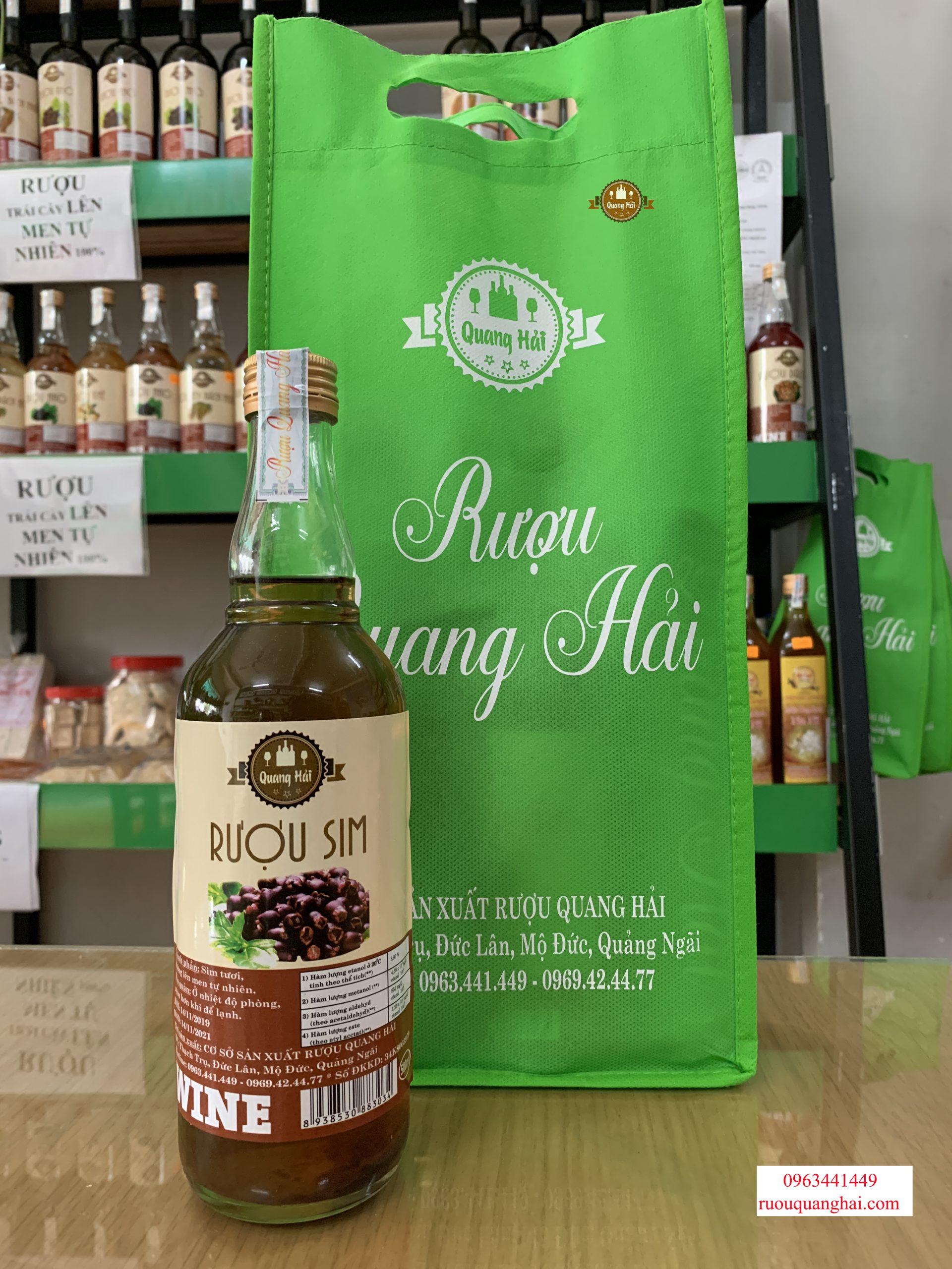 Rượu trái cây lên men tự nhiên sẽ có hạn sử dụng 2 năm kể từ ngày sản xuất